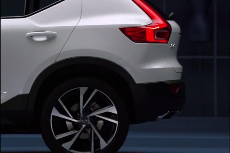 "Volvo XC40 2018 lo ""anh nong"" truoc ngay ra mat-Hinh-7"