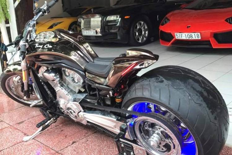 """Moto Harley V-Rod """"hang khung"""" cua dai gia Y te Sai Gon-Hinh-3"""