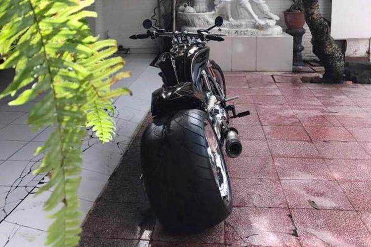 """Moto Harley V-Rod """"hang khung"""" cua dai gia Y te Sai Gon-Hinh-6"""