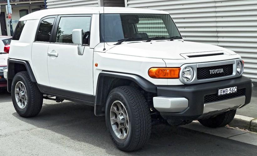 "Toyota ""khai tu"" FJ Cruiser, thay bang ban tai Hilux"