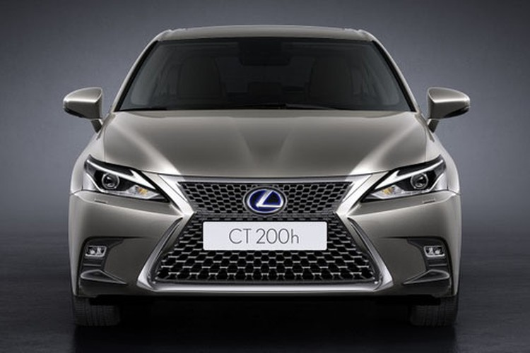 "Xe sang Lexus CT200h gia 1,37 ty ""chao"" Dong Nam A-Hinh-2"