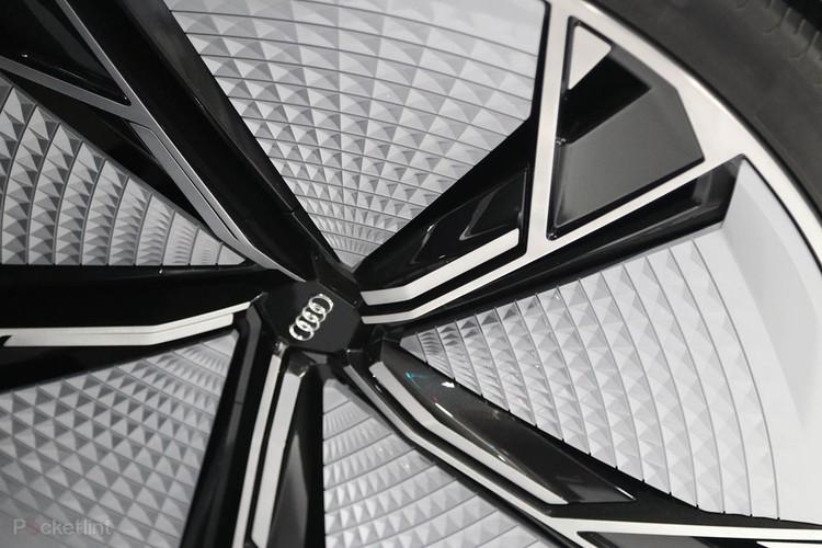 Sieu xe oto dien Audi Aicon tu lai 100% lo dien-Hinh-9