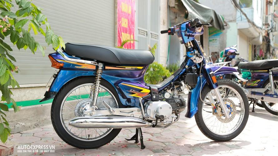 Dan choi Ha Noi do Honda Dream Thai 50 trieu dong-Hinh-16