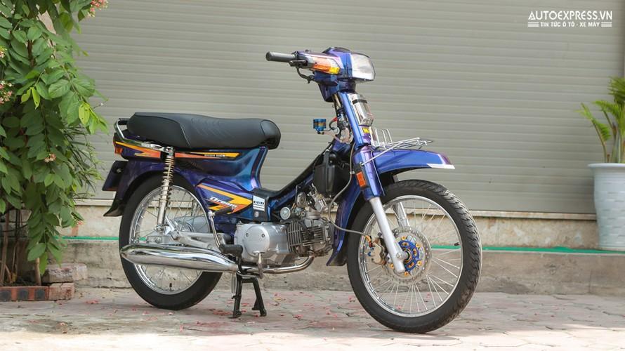 Dan choi Ha Noi do Honda Dream Thai 50 trieu dong