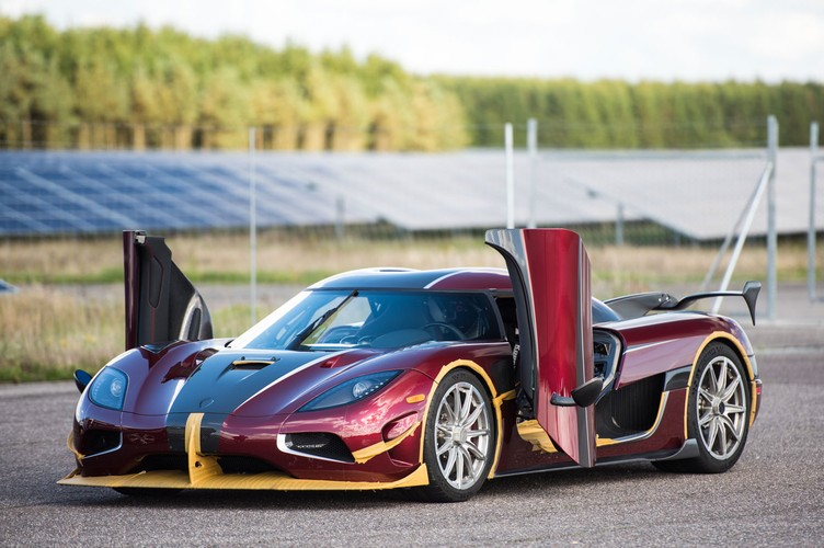 "Sieu xe Koenigsegg Agera RS cho Bugatti Chiron ""ngui khoi""-Hinh-6"