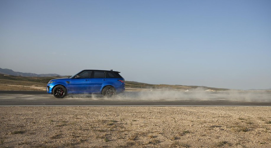 Can canh Range Rover Sport SVR 2018 gia 3 ty dong-Hinh-10