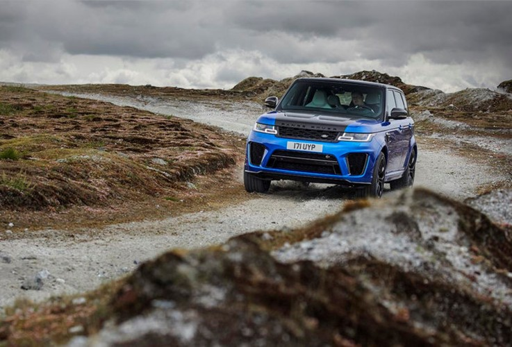 Can canh Range Rover Sport SVR 2018 gia 3 ty dong-Hinh-4