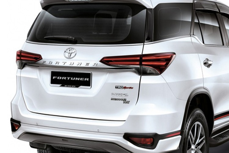 """Toyota Fortuner 2018 may dau """"chot gia"""" tu 995 trieu dong-Hinh-5"""