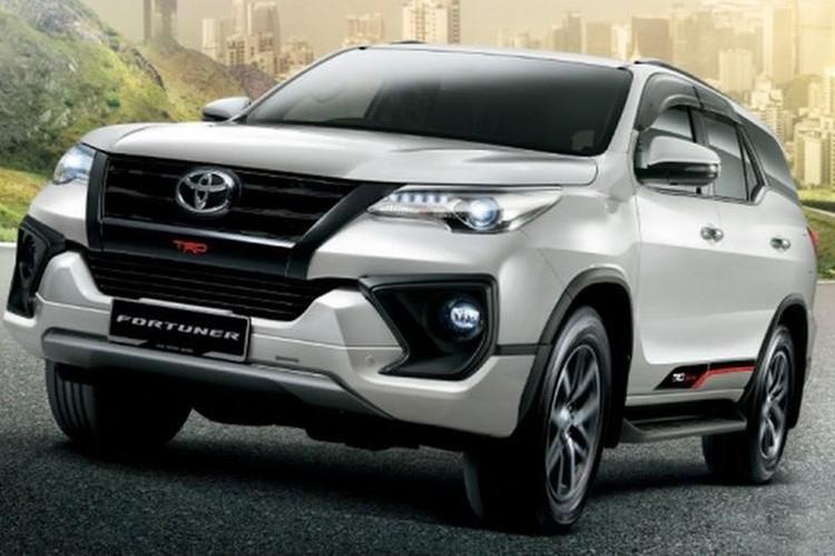 """Toyota Fortuner 2018 may dau """"chot gia"""" tu 995 trieu dong"""