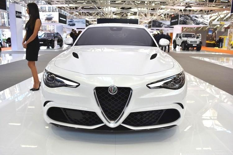 Top xe oto sedan co noi that dep nhat nam 2017