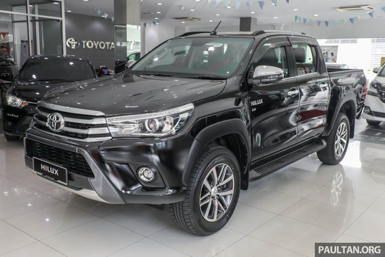 """Toyota Hilux 2017 ban nang cap """"chot gia"""" 469 trieu dong"""
