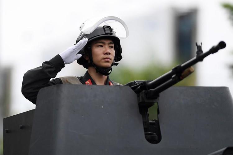 Dan xe dac chung lam nhiem vu bao ve APEC 2017-Hinh-16