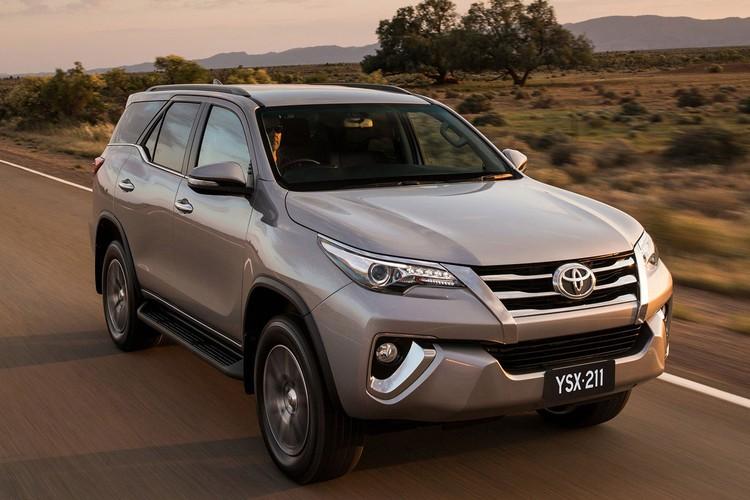Toyota Fortuner 2018 giam gia den 125 trieu dong-Hinh-4