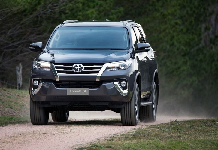 Toyota Fortuner 2018 giam gia den 125 trieu dong-Hinh-5