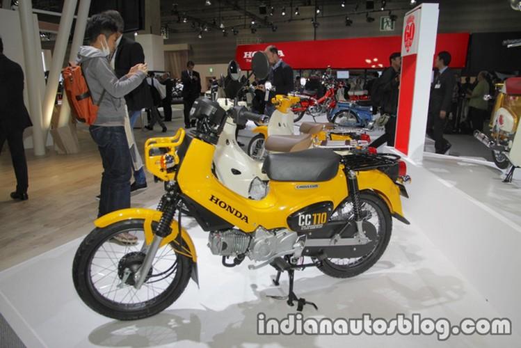 Can canh xe may Honda Super Cub 2018 moi-Hinh-2