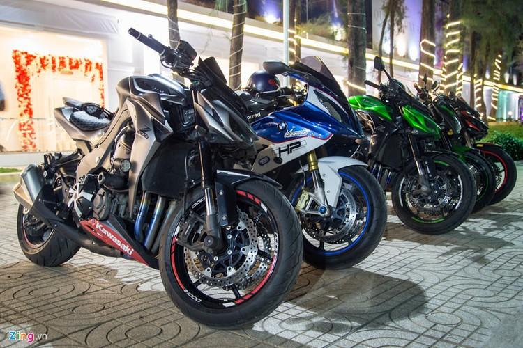 Dan sieu xe, moto tien ty xuat hien tai Sai Gon-Hinh-11