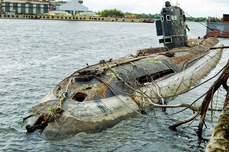 Tham thuong tau ngam Ukraine bi vut xo, hoen ri-Hinh-5