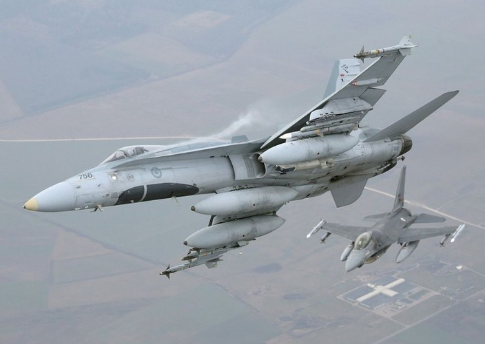 Can canh tiem kich NATO tuan tieu sat nach Nga
