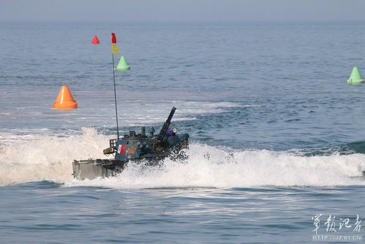 Xe thiet giap ZBD-2000 Trung Quoc dai thang Nga o bien Caspian-Hinh-4