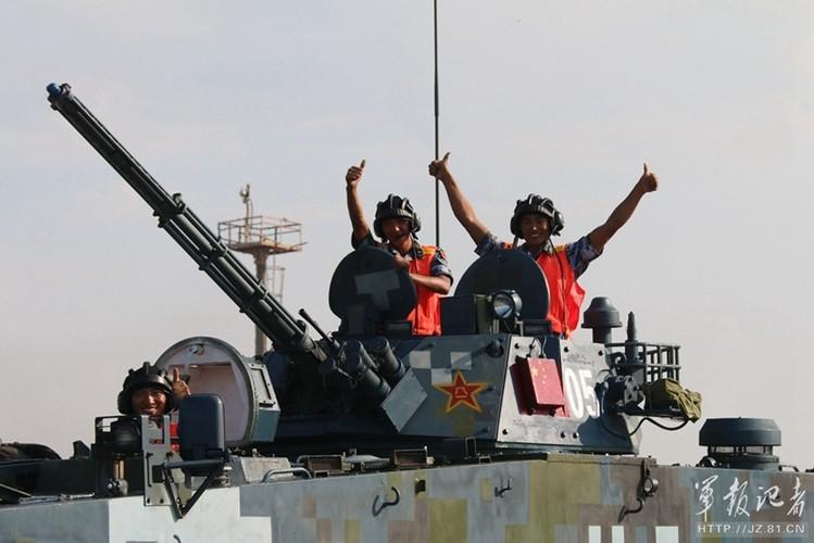 Xe thiet giap ZBD-2000 Trung Quoc dai thang Nga o bien Caspian-Hinh-8