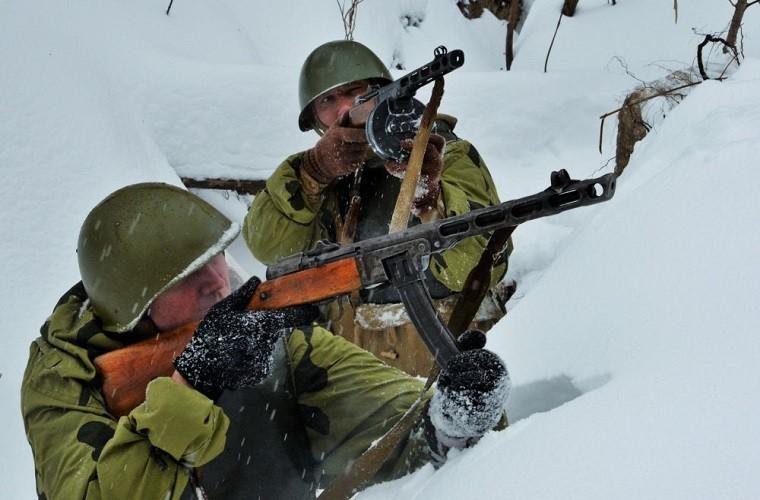 Theo doi Quan doi Nga tap tran trong mua dong Crimea-Hinh-9