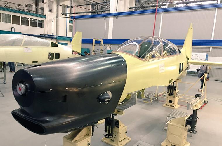 Muc kich chuyen bay dau tien cua may bay Yak-152 Nga-Hinh-6