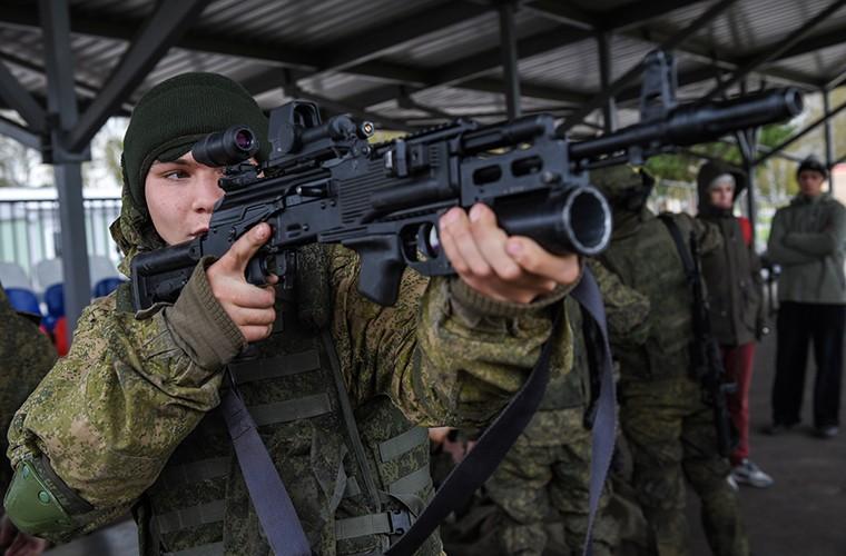 Sung truong AK-12 va A-545: Ai se duoc Quan doi Nga chon?-Hinh-10