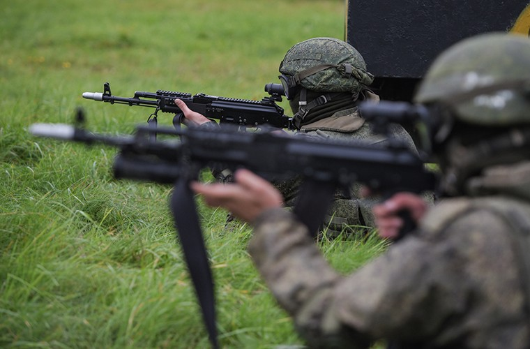 Sung truong AK-12 va A-545: Ai se duoc Quan doi Nga chon?-Hinh-6