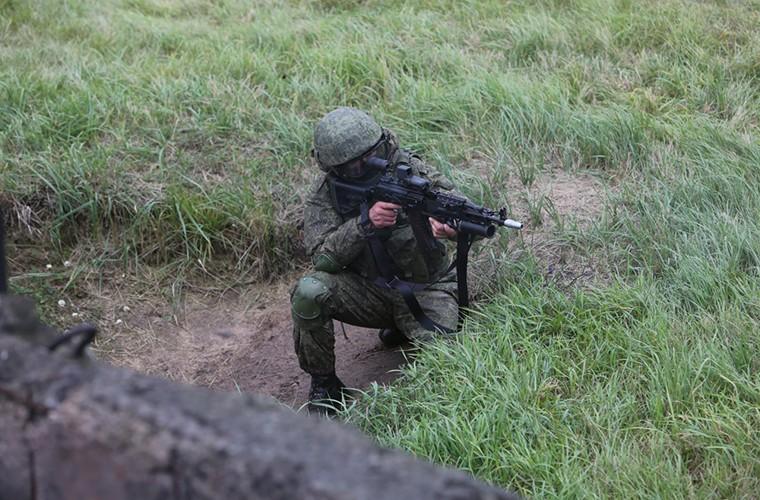 Sung truong AK-12 va A-545: Ai se duoc Quan doi Nga chon?-Hinh-9