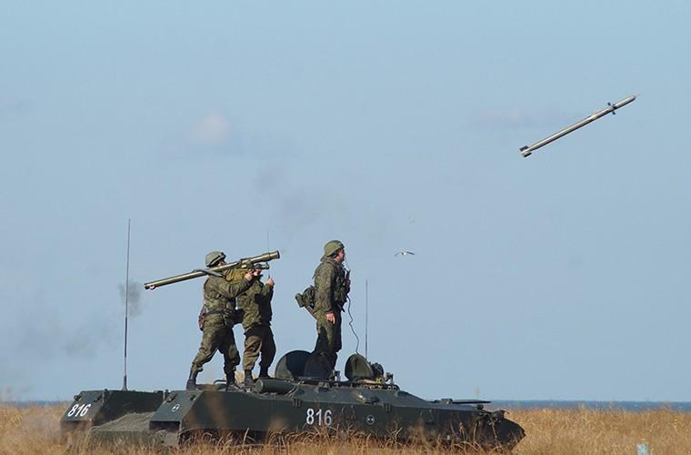 Kham pha dan vu khi phong khong cua linh du Nga-Hinh-2