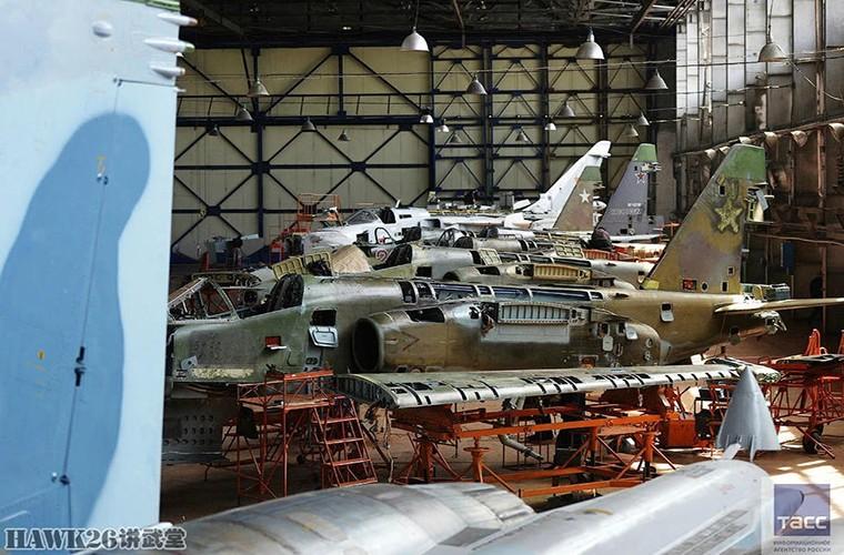 Bat ngo: Nga hoi sinh Su-24, Su-25 da vut ra bai rac-Hinh-10