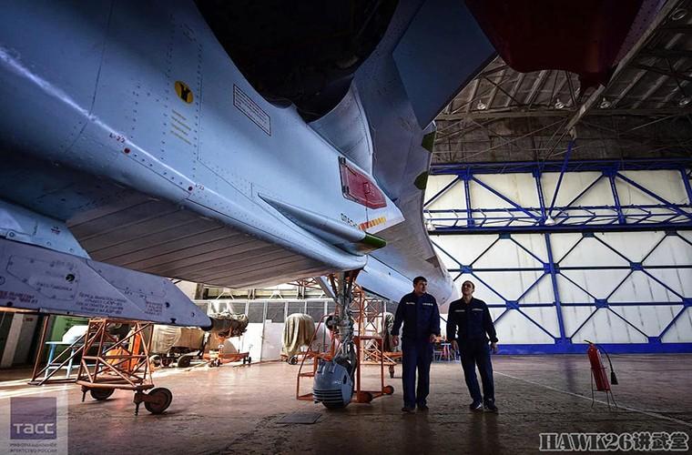 Bat ngo: Nga hoi sinh Su-24, Su-25 da vut ra bai rac-Hinh-11