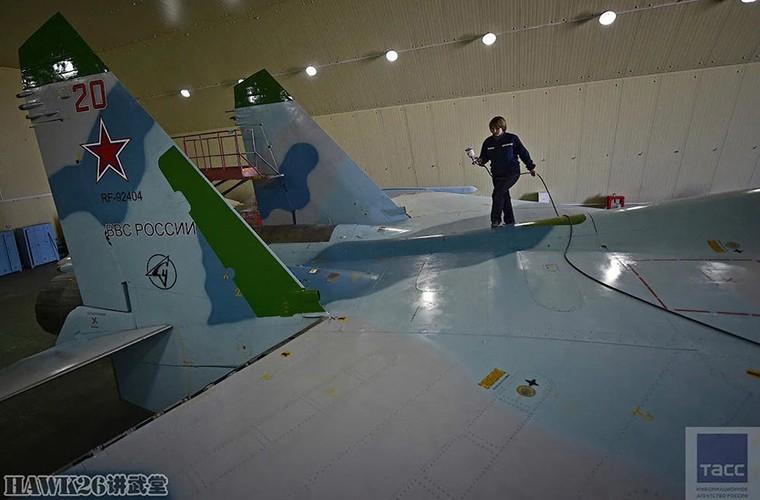 Bat ngo: Nga hoi sinh Su-24, Su-25 da vut ra bai rac-Hinh-14