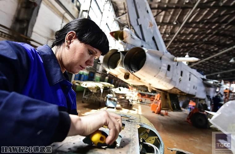 Bat ngo: Nga hoi sinh Su-24, Su-25 da vut ra bai rac-Hinh-5