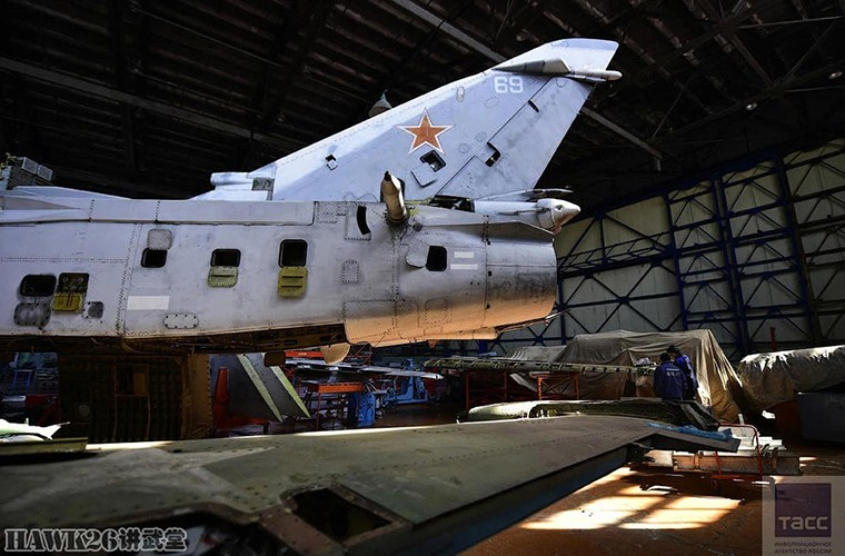 Bat ngo: Nga hoi sinh Su-24, Su-25 da vut ra bai rac-Hinh-6