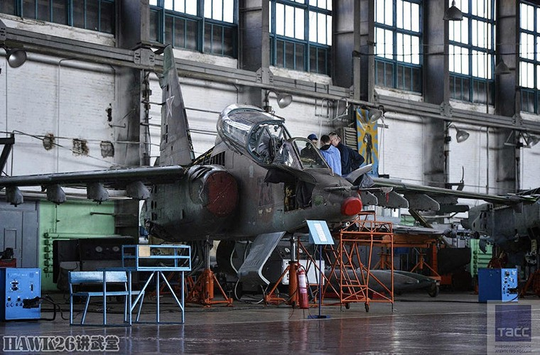 Bat ngo: Nga hoi sinh Su-24, Su-25 da vut ra bai rac-Hinh-8