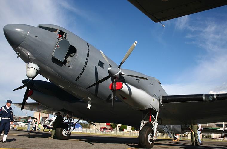 Philippines tinh thay the OV-10 bang may bay gunship BT-67-Hinh-4