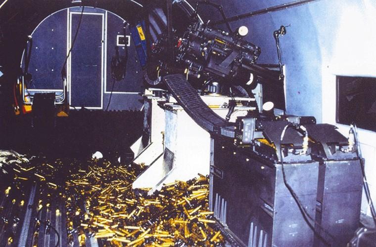 Philippines tinh thay the OV-10 bang may bay gunship BT-67-Hinh-5