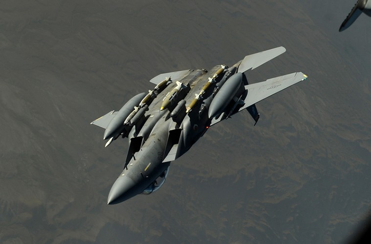 Nhat Ban dung tiem kich F-15J dau Su-35, J-20 Trung Quoc?-Hinh-5