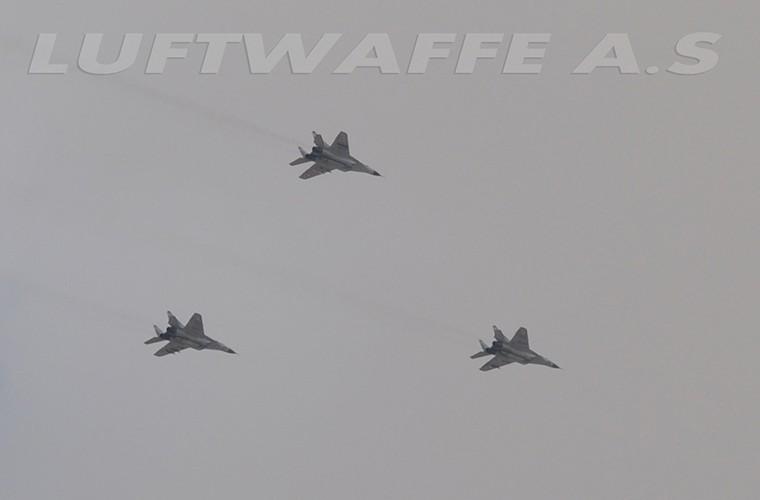 MiG-29 Syria mang ten lua R-77, My-Israel khong dam lam lieu?-Hinh-5