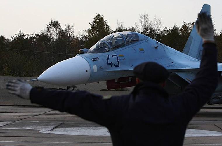 Cang thang tiem kich Su-35 tap tran ngay gan Nhat Ban-Hinh-10