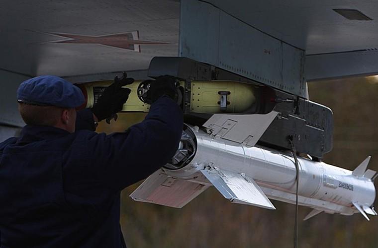 Cang thang tiem kich Su-35 tap tran ngay gan Nhat Ban-Hinh-12