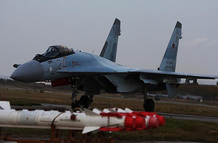 Cang thang tiem kich Su-35 tap tran ngay gan Nhat Ban-Hinh-5