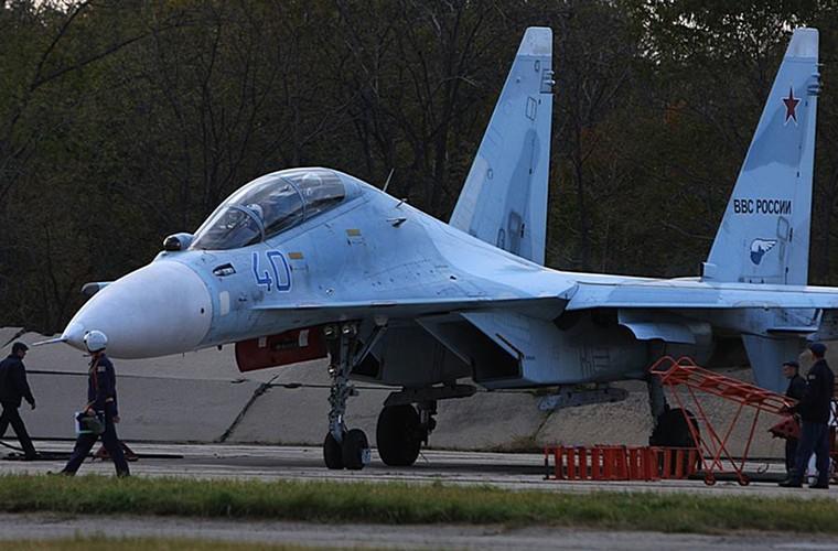 Cang thang tiem kich Su-35 tap tran ngay gan Nhat Ban-Hinh-8