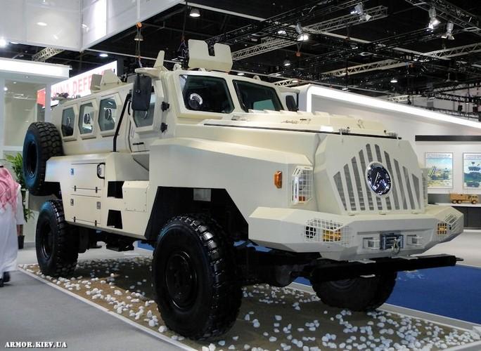 Kham pha xe boc thep Trung Quoc vua giao cho Kenya-Hinh-9