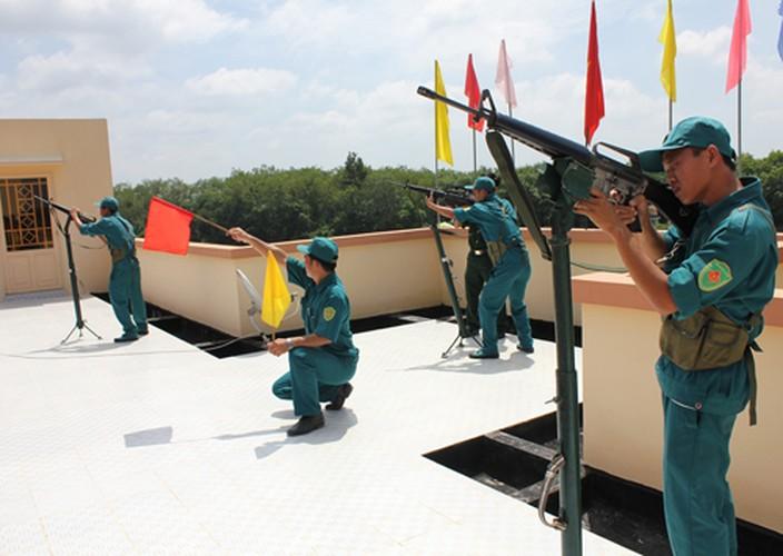 Bat ngo: Sung truong M16 van duoc LLVT Viet Nam su dung-Hinh-6
