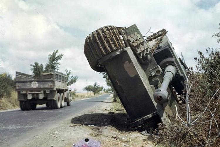 Ket cuc tham hai cua xe tang Tiger trong CTTG 2-Hinh-3