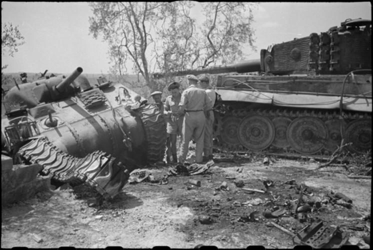 Ket cuc tham hai cua xe tang Tiger trong CTTG 2-Hinh-7