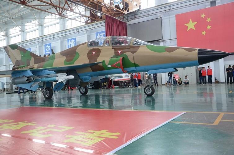 Can canh may bay huan luyen FTC-2000 Trung Quoc moi ra mat-Hinh-11
