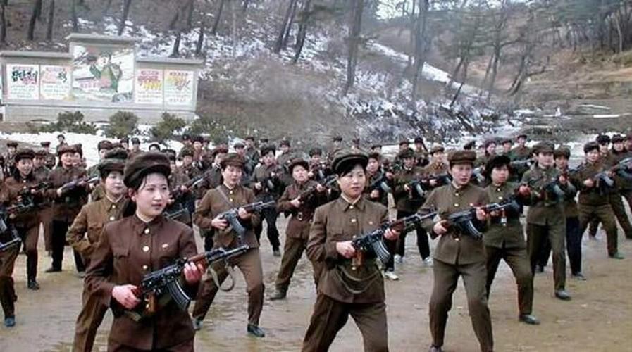 """Bat ngo """"gay soc"""": Sung AK Trieu Tien xuat hien o Syria-Hinh-8"""